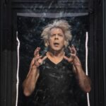 Самое несценичное произведение Кафки поставили на сцене Театра Вахтангова